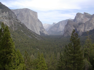 Half-Dome 2 - Yosemite Valley from Tunnel Overlook