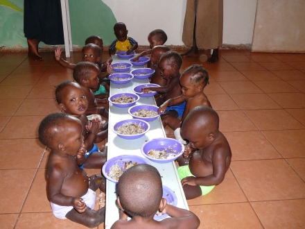 Lunch Time in Baby Room2